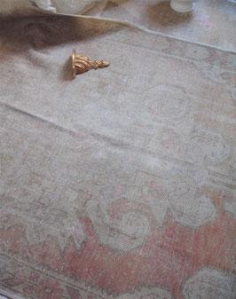 Shabby: Dekorativer vintage Oushak Teppich