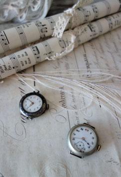 Set antiker kleiner Damen Armbanduhren Frankreich