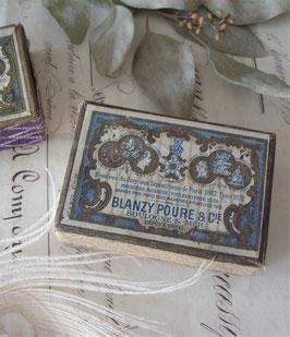 Dekorative alte Pappschachtel inkl. Schreibfedern Frankreich