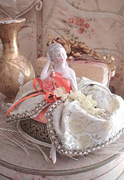 Zauberhafte antike Teepuppe Porzellan aus Frankreich