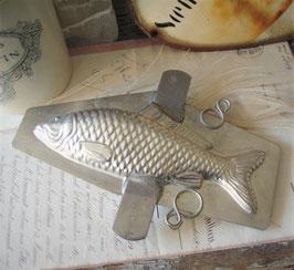 Alte Schokoladenform Fisch Metall aus Frankreich