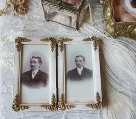 Antiker kleiner Doppel-Holzstuckrahmen Messingapplikationen 1900