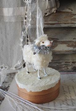 RAR: Altes süßes Wollschaf auf Spandose Erzgebirge