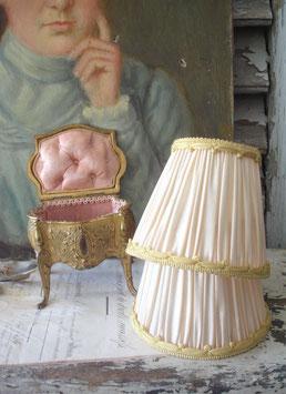 Zauberhafter alter Lampenschirm aus Frankreich