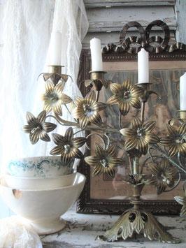 Antiker großer Lilienleuchter / Altarleuchter aus Frankreich