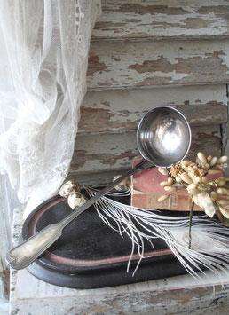 Shabby: Dekorative alte Suppenkelle versilbert