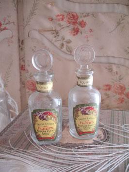 Wunderschöne alte kleine Parfümflasche aus Frankreich