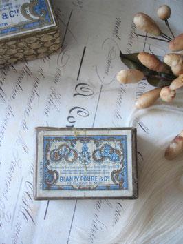 Dekorative alte Pappschachtel aus Frankreich