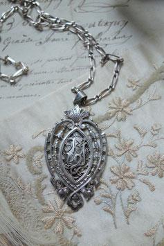 Seltener antiker Anhänger mit Silberkette Frankreich