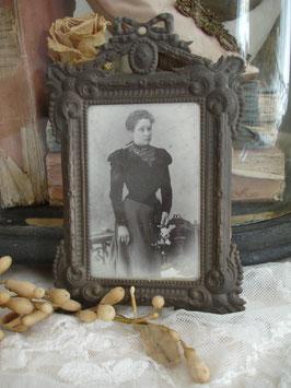 Antiker keiner Bilderrahmen mit CDV-Bild Frankreich