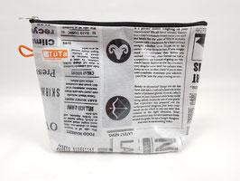 kleine Kulturtasche Newspaper