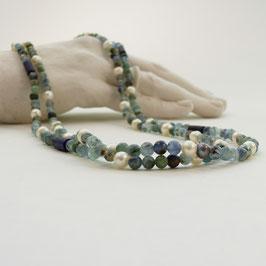 Kyanit mit Lapislazuli & weißer Perle