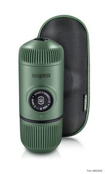 Manuelle Espresso-Maschine von WACACO - Nanopresso moss green inkl Case