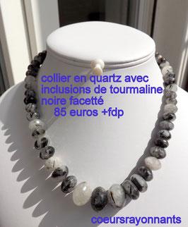 collier en quartz avec inclusions de tourmaline noire