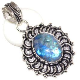 pendentif en pierre de lune bleutée et plaqué argent 925,3