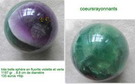 trés belle sphére en fluorite violette et verte, une piéce de collection !!