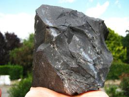 grosse piéce d ' onyx de 867 gr