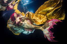 Unterwasser Fotoshooting im Pool