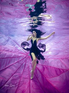 Fallschirm Fotoshooting im Pool