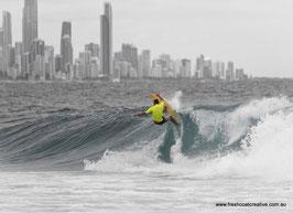 SURFING BURLEIGH