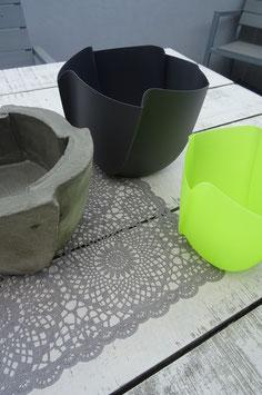Kunststoff Topf  Betonieren 4eck
