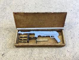MP40 mit Holzkiste