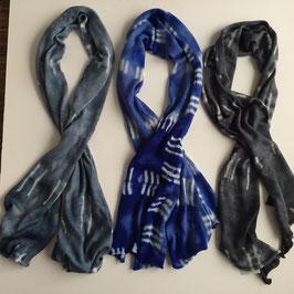 Schal aus fein gestrickter Merino-Wolle 180x50cm