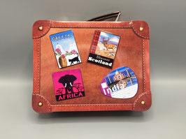 Reisekoffer als Geschenkebox