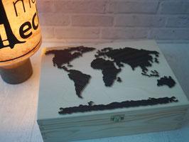 "Welt Box aus Holz: Kiste mit Weltkarte DinA4 ""Weltbox"""