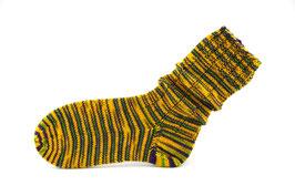 Socken- Handgestrickt Gr: 36-37  Fb: gelb, dunkelbraun, grün