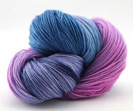"Sockenwolle- handgefärbt  4fach  ""Sommerflieder"" Fb:  rosa, lila, blau"