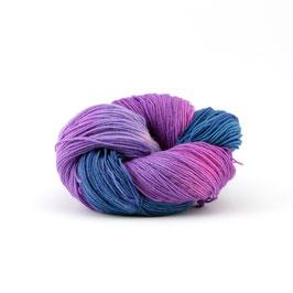 """Sockenwolle  handgefärbt  4fach """"Veilchenblau"""""""