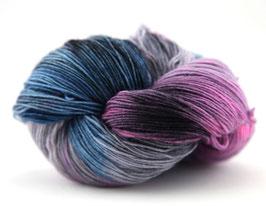 """Sockenwolle- handgefärbt  4fach """"Vergissmeinnicht"""" Fb: lila ,blau"""