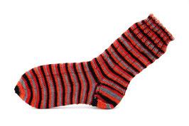 Socken- Handgestrickt Gr: 34-35  Fb: rot, orange, schwarz