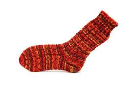 Socken- Handgestrickt Gr: 34-35  Fb: rot, gelb, orange meliert
