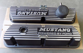 "Cache-culbuteurs  ""powered by Ford"" en Aluminium - MUSTANG Valve Cover"