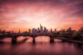 Skyline Frankfurt im Abendrot