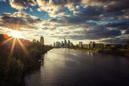 Skyline Frankfurt bei Abendsonne