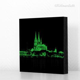 Skyline grün auf schwarz - reduziert