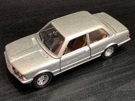 BMW 320i E21 - Mebetoys 6719 - 1/24