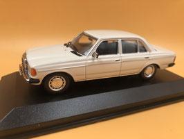 MERCEDES BENZ 230E W123 (1982) - BIANCO