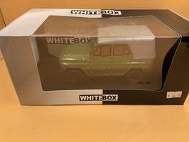 UAZ 469 - VERDE - WHITE BOX 1/24
