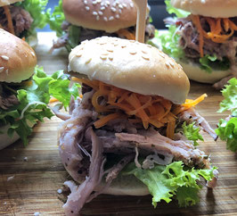 Mini Burger mit hausgemachtem pulled Pork