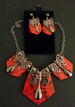 15. Modeschmuck Set: Collier + Ohrstecker.rot