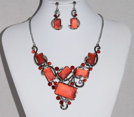 2. Modeschmuck Set: Collier + Ohrstecker in rot