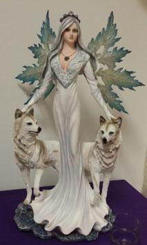 Elfe mit zwei weißen Wölfe