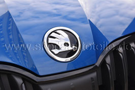 SKODA Emblem Logo glänzend CHROM/SCHWARZ (V oder H) - original - SKODA OCTAVIA III, SUPERB III