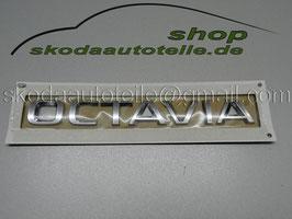 """Schriftzug Emblem Heckklappe """"OCTAVIA"""" - Neues Modell - original"""