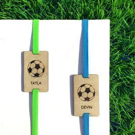 Lesezeichen mit Gummiband blau oder grün *Fussball+individueller Name*