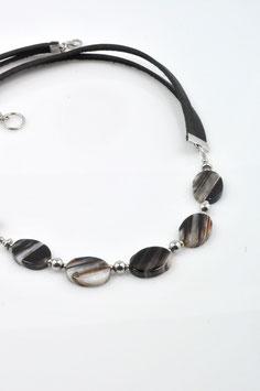#2057OV-LGBK, Striped Quartz and leather 22/24, Necklace/Collier